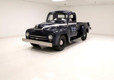 1950 International Harvester L-110 na prodej