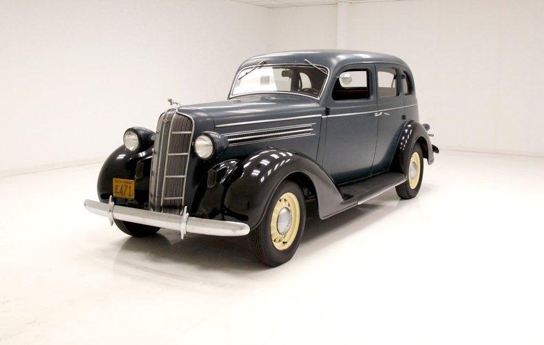 1935 Dodge Model DU Sedan