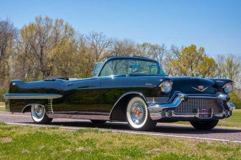 1957 Cadillac Series 62 Convertible na prodej