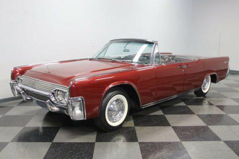 1961 Lincoln Continental Convertible na prodej