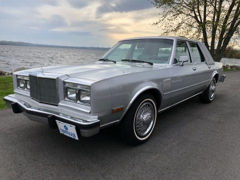 1989 Chrysler Fifth Avenue na prodej