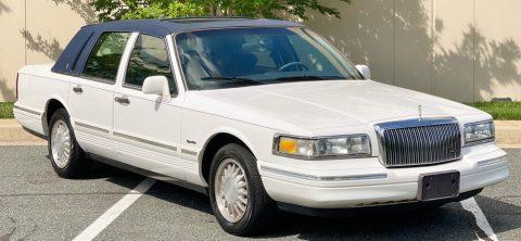 1997 Lincoln Town Car na prodej