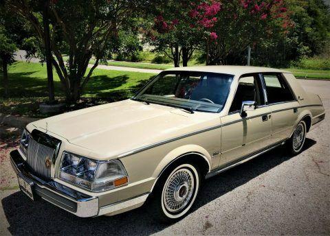 1987 Lincoln Continental na prodej