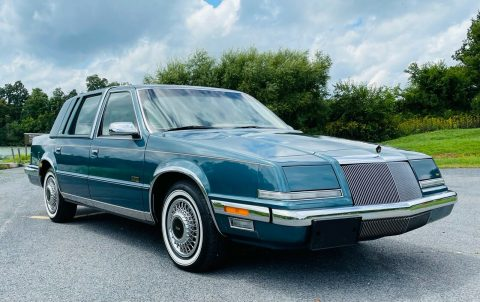 1993 Chrysler Imperial na prodej