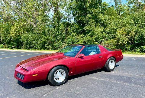 1983 Pontiac Firebird na prodej