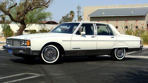 1986 Pontiac Parisienne Brougham na prodej
